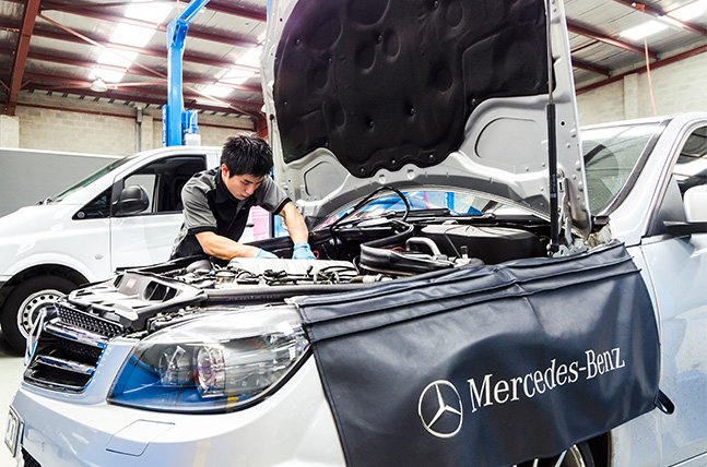 Mercedes-Benz service centre