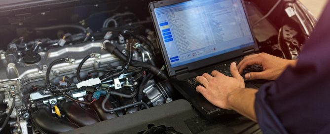Mercedes Benz mechanic Melbourne